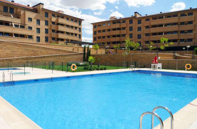 El ayuntamiento supervisar piscinas comunitarias for Piscina de valdemoro