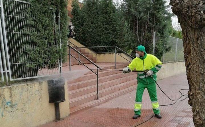 Trabajadores de limpieza sin material necesario