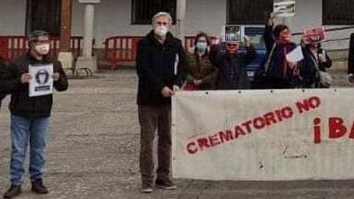 Contra el Crematorio de nuevo en la calle