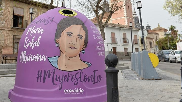 """12 iglús de """"Mujeres con Eco"""""""
